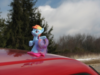 Rainbow Dash Off-Roading