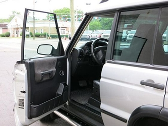 Discovery 2 Dealer Photo 47